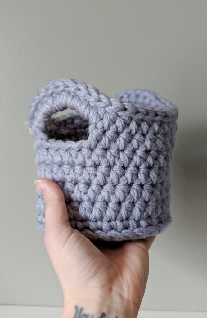 Free Crochet Basket Pattern -- The Mini