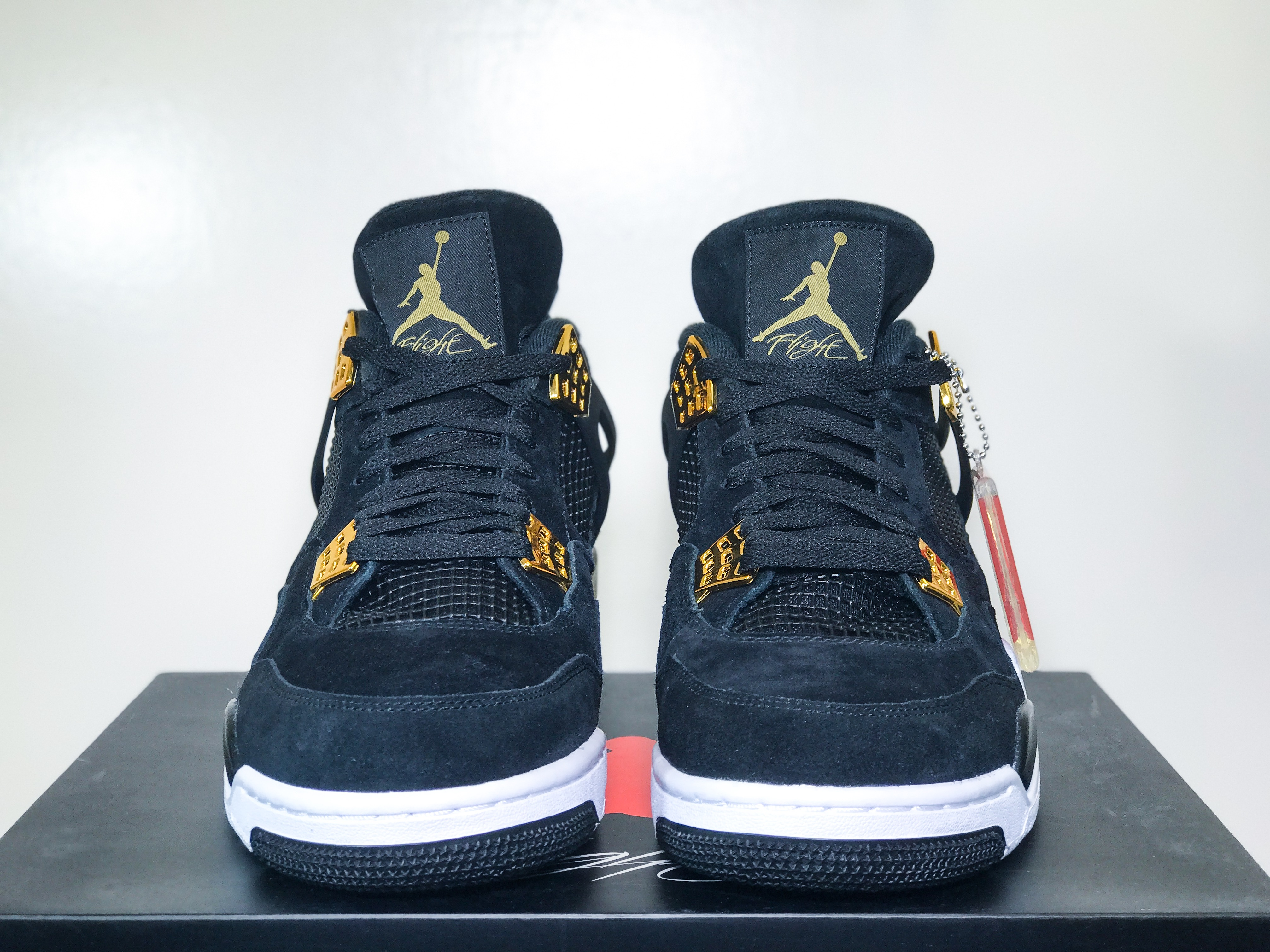 competitive price ba390 a2c19 Air Jordan Retro 4