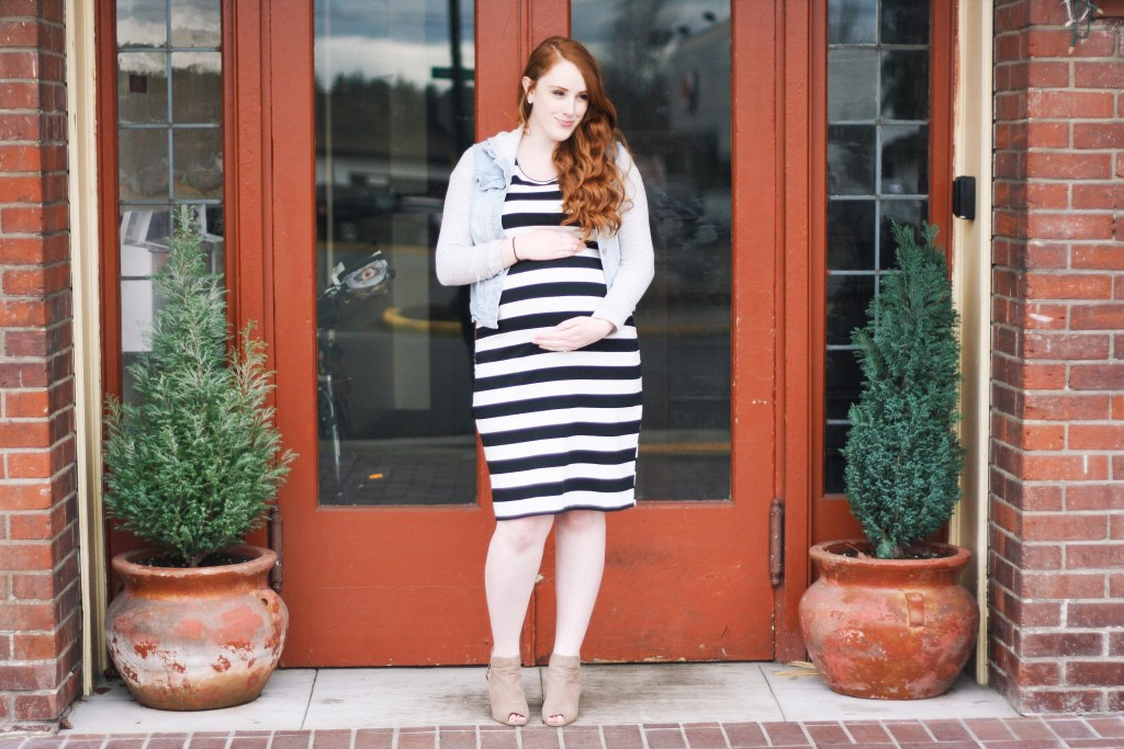 stretchy maternity dress black and white striped Target Ingrid & Isabel