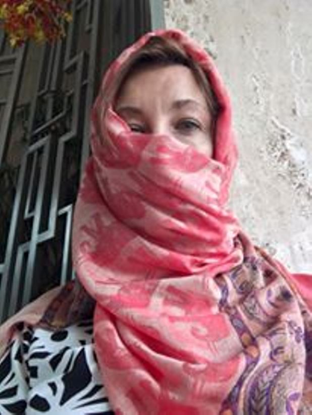 wearing a scarf to filter the pollution