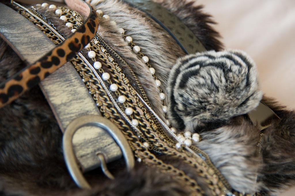 belts/accessories in grey