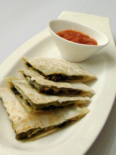 Laing Quesadilla. Photo credit to Edgar Alan Zeta-Yap of eazytraveler.net