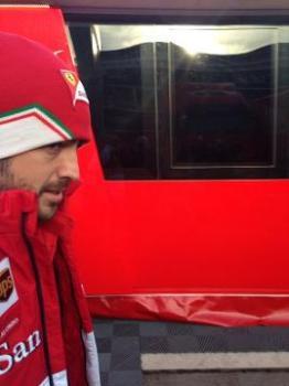 ... haha Fernando thinks he's found a way to avoid the press...
