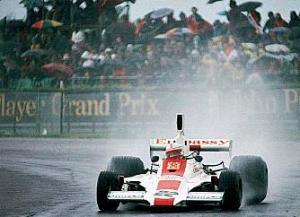 Alan Jones Silverstone 1975