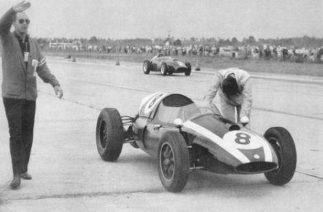 BrabhamJack Brabham pushing Cooper-Climax to 1959 F1