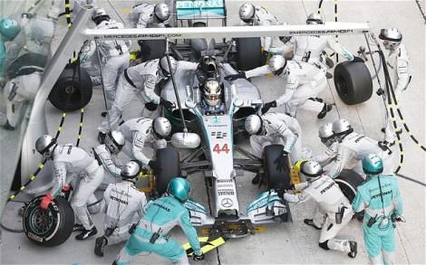 Mercedes pit stop