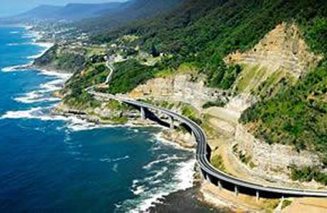 04-grand-pacific-drive-01-sea-cliff-bridge