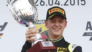 Mick-Schumacher-Formel-4-Oschersleben-2015-articleTitle-bc5cd2d1-860026