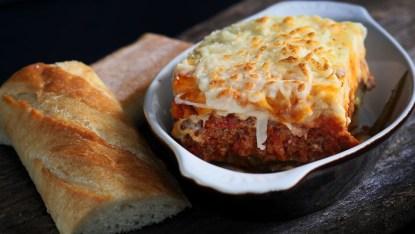 lasagna, Mediterranean restaurant in Niagara falls, dinner entrees, Italian food