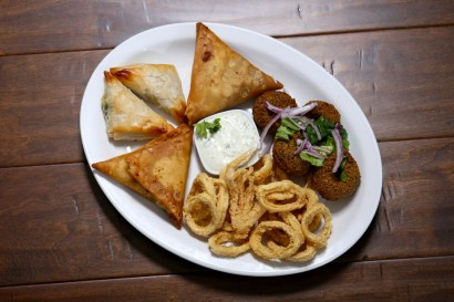 appetizers, sampling platter, Greek restaurant in Niagara Falls, Mediterranean restaurant in Niagara Falls