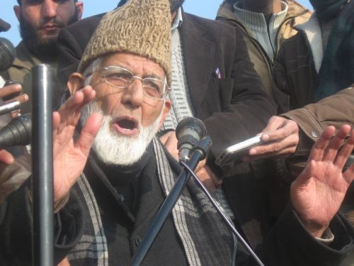 Geelani warns New Delhi, if any untoward happens to Yasin Malik