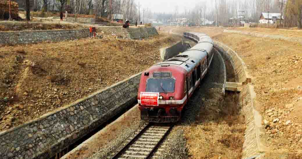 Rail services resume in Kashmir