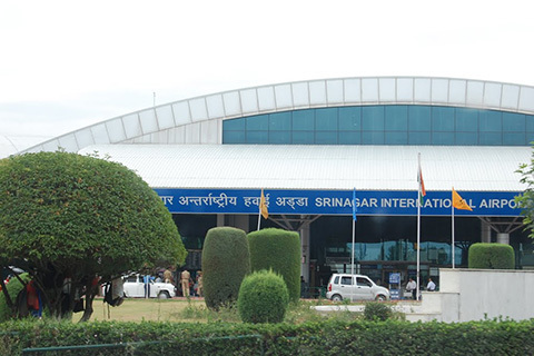 Srinagar Airport goes to dogs