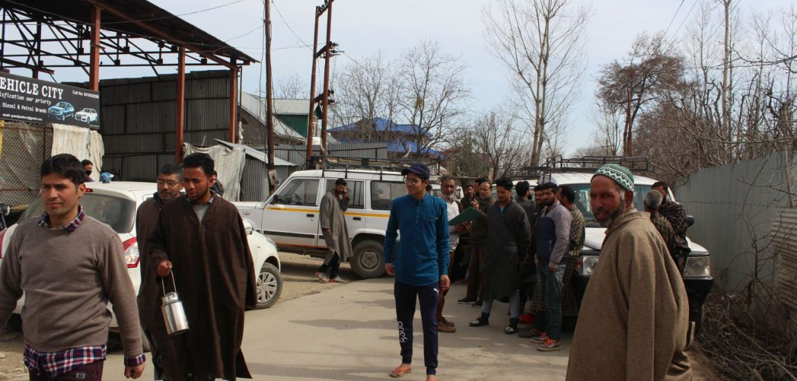 Drivers Union Imam Sahab protests dilapidated condition of Shopian-Bijbehara road