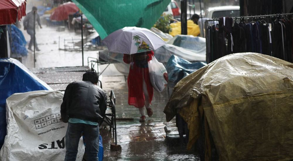 A heavy dose of rains and hails lashed parts of Kashmir…