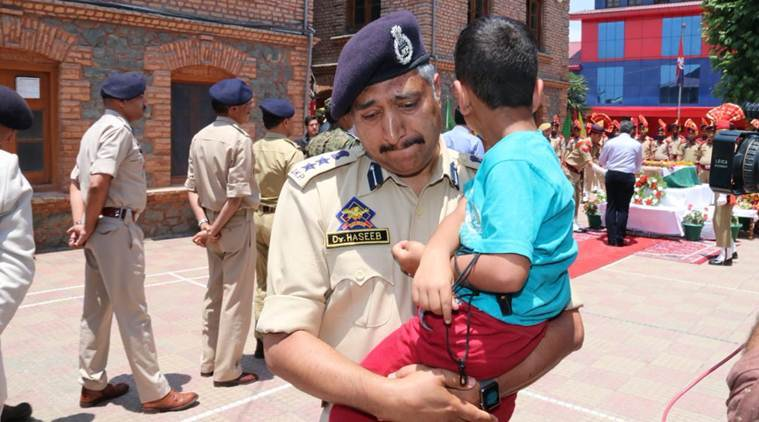 SSP Srinagar, Dr Haseeb Mughal fights his tears…