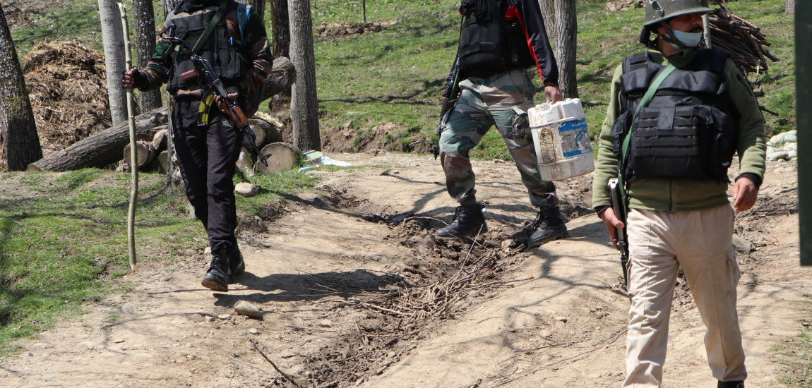 Anantnag encounter: Militants give slip to forces, internet restored