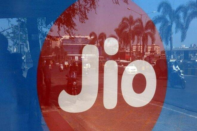 Jio announces free domestic voice calls to other networks from Jan 1 as IUC regime ends