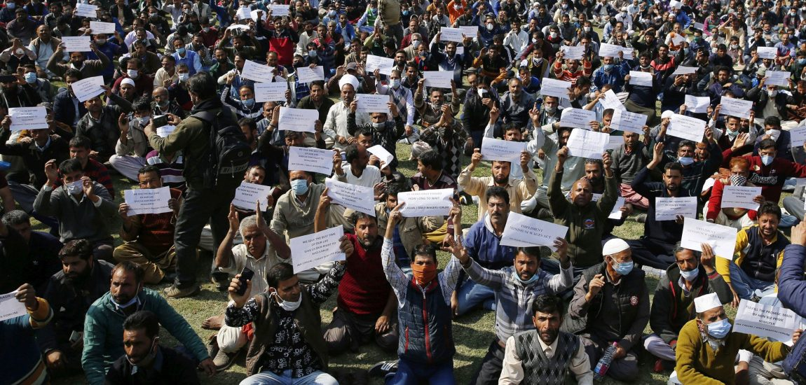 asual and dailywagers stage a protest in Srinagar on Wednesday…