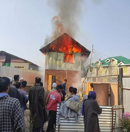 Two-storey shop, house gutted in fire incident in Turk Batpora