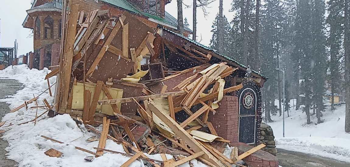 Authorities demolish illegal structures, retrieve land in Gulmarg