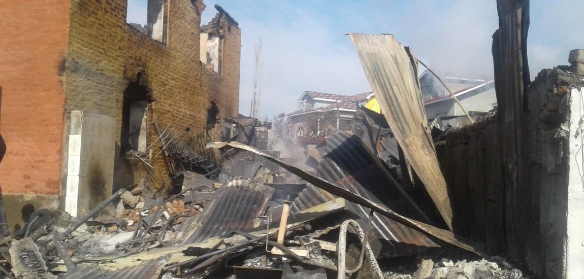 Residential houses, drug store, dental clinic gutted in Tangmarg blaze