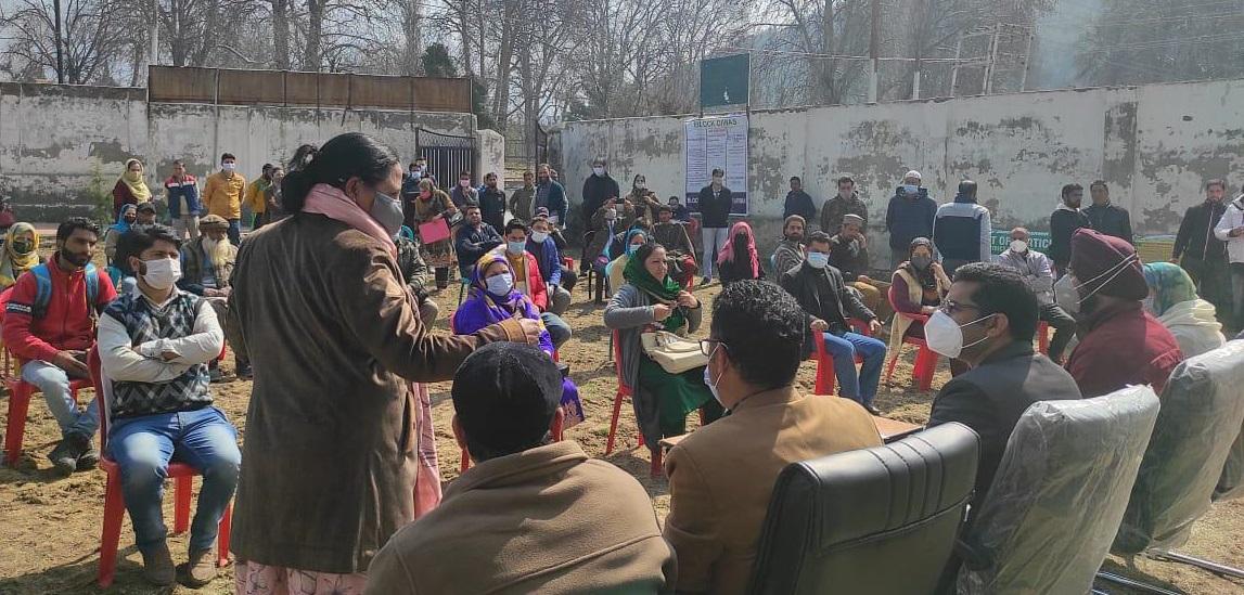 Block Diwas: DC Srinagar holds public meetings at Harwan, Panzinara