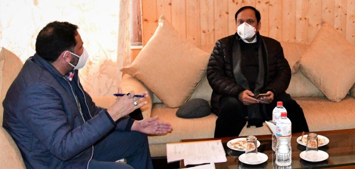 Advisor Bhatnagar reviews arrangements for Amarnathji Yatra at Sonmarg