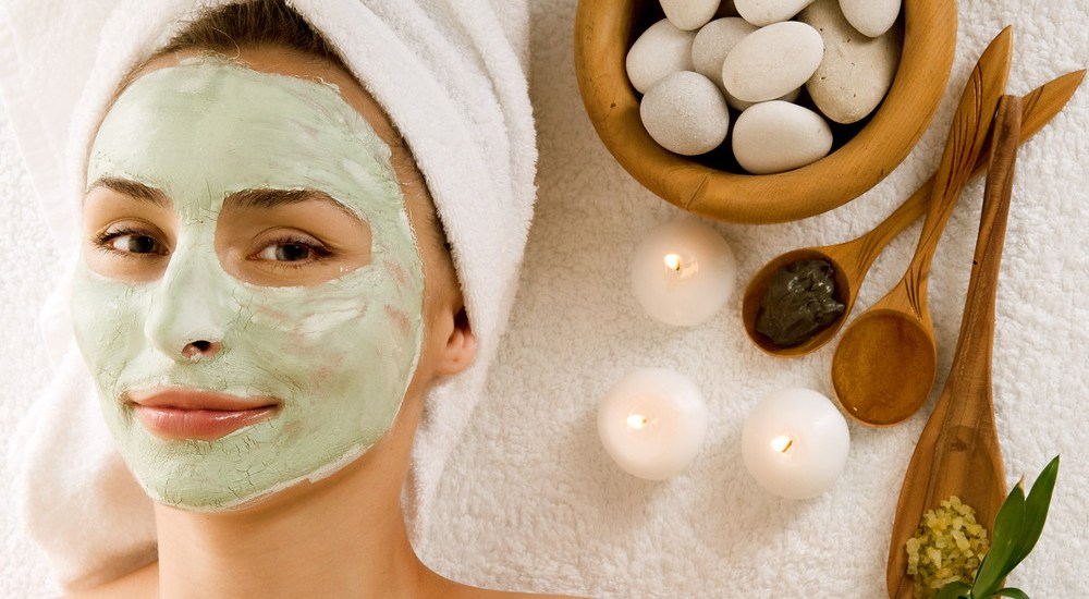 Natural facial at home for glowing skin this summer!
