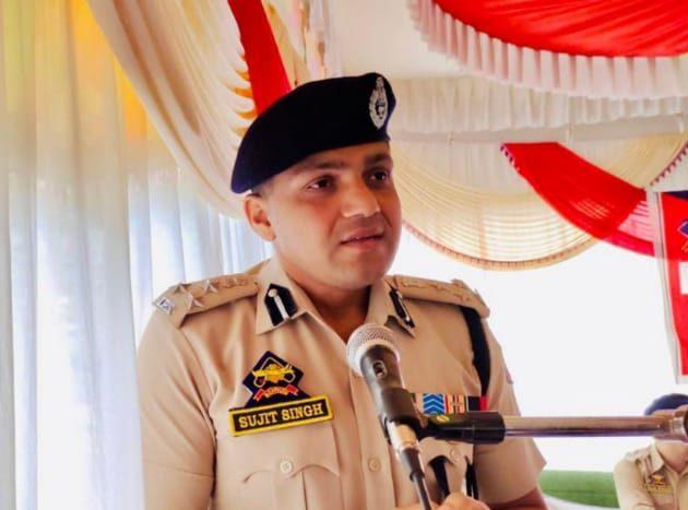 DIG NKR visits Kupwara, chairs officers meeting