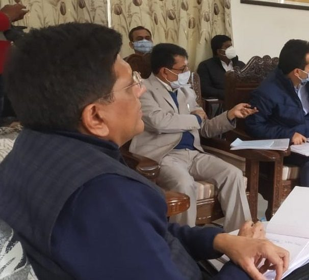 Extend support to local entrepreneurs, artisans: Goyal asks distt admn Anantnag