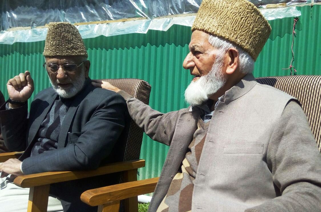 Track-II diplomat gets a drubbing at Geelani's residence for floating Musharraf's 4-point formula