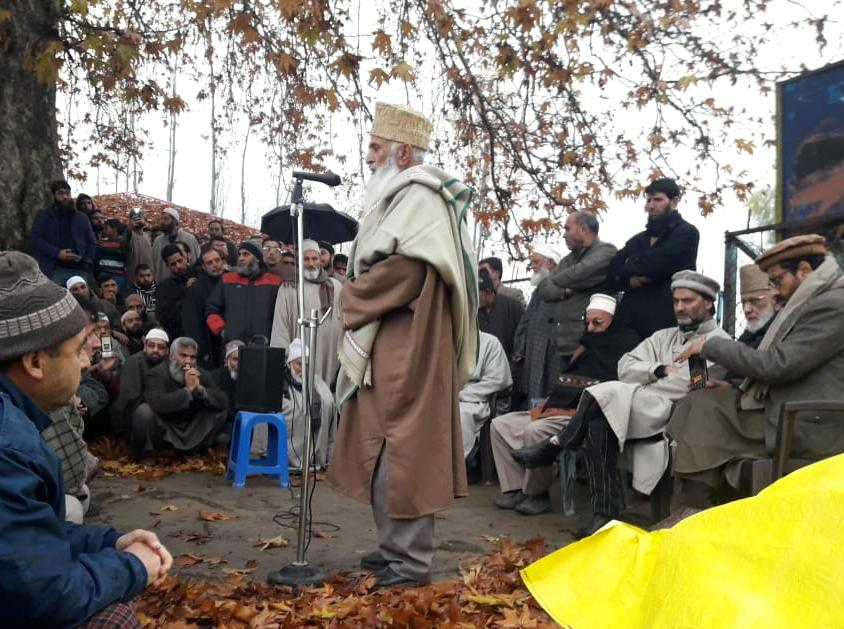 North Kashmir: Sehrai, Malik others attend funeral prayers of Geelani's son-in-law at Sopore