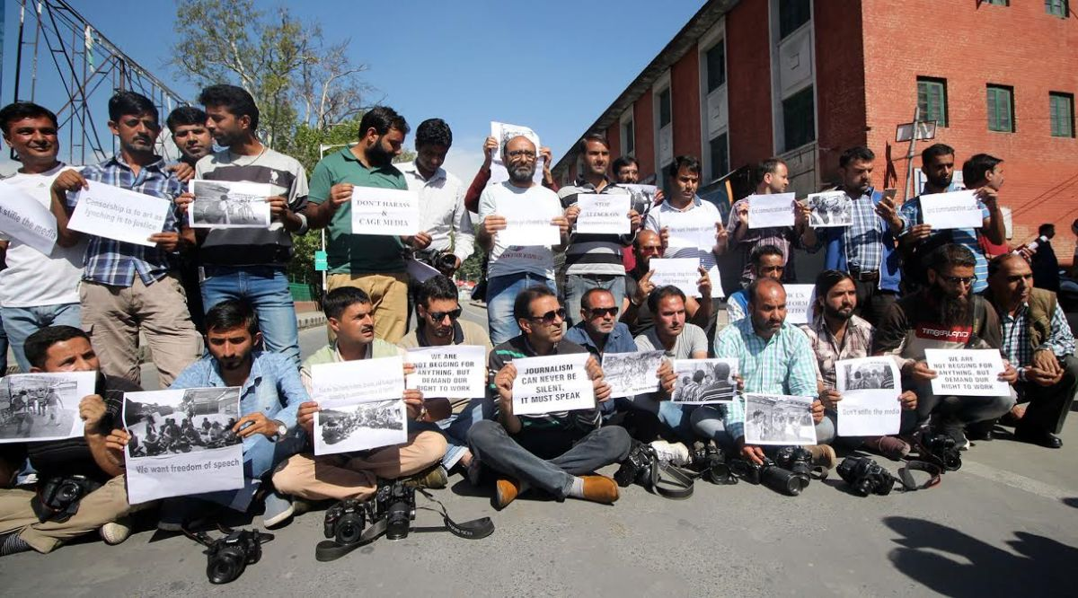 Kashmiri journalists targets of paramilitaries violence with govt's 'tacit consent': RSF