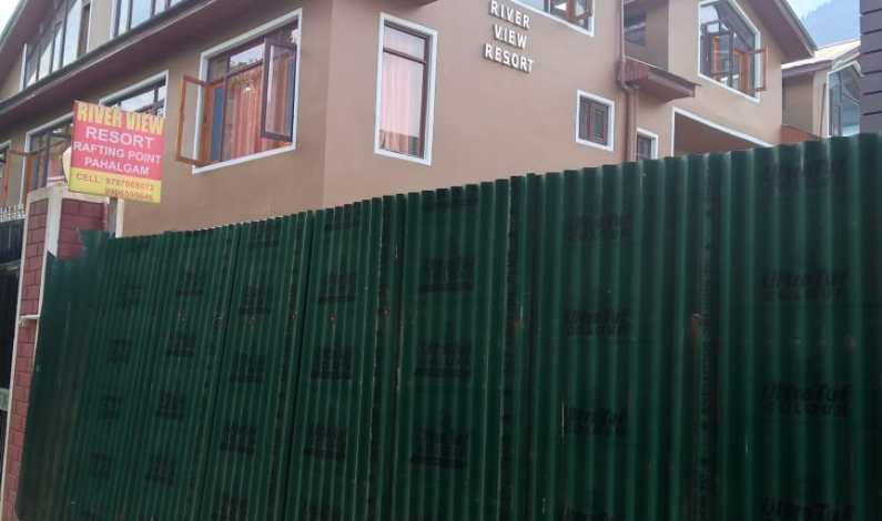 Most hoteliers are violators, concedes Pahalgam hotel owner flouting environmental norms