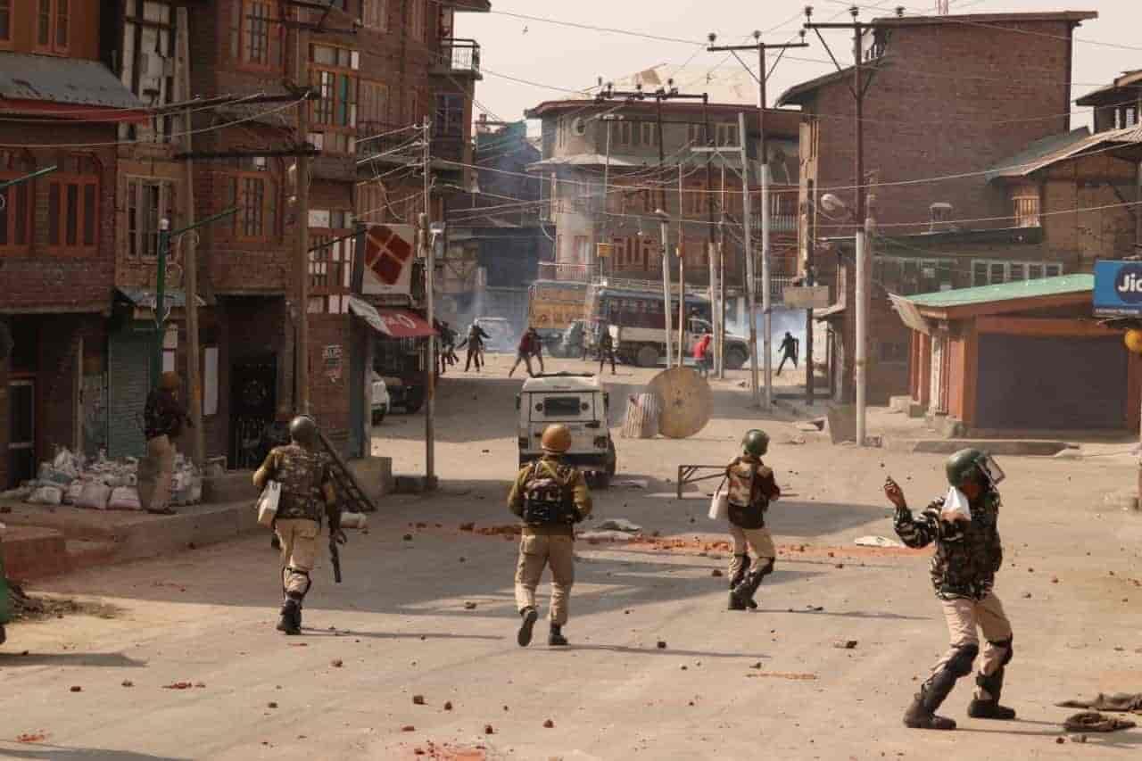 srinagar gunfight, clashes, kashmir,
