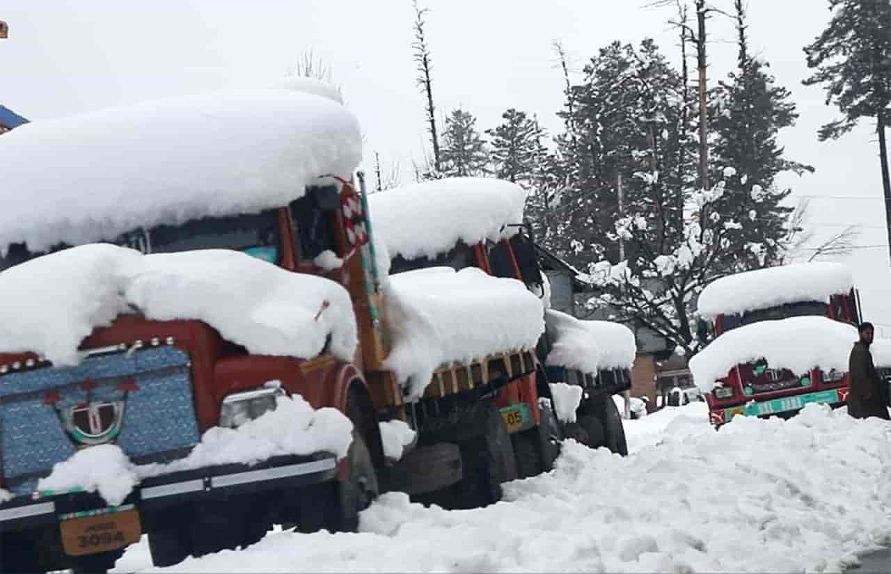 Kashmir, snow - old man
