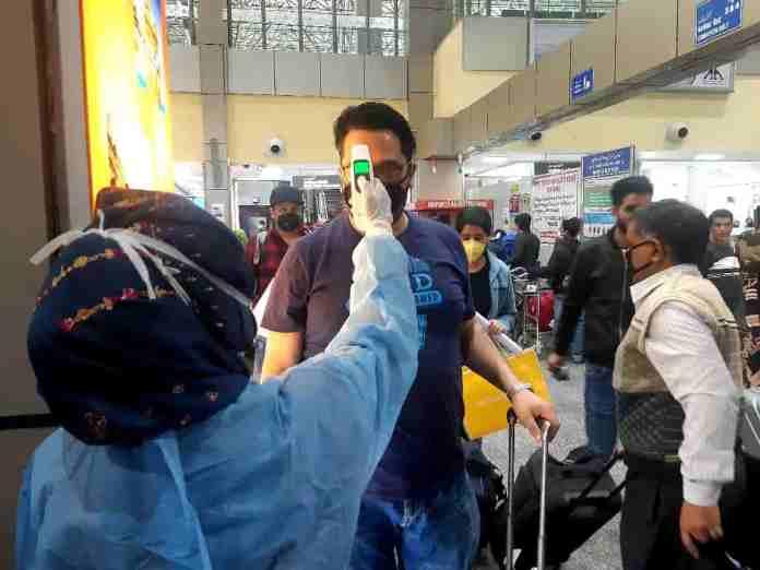 Coronavirus kashmir, srinagar airport, kashmir airport,