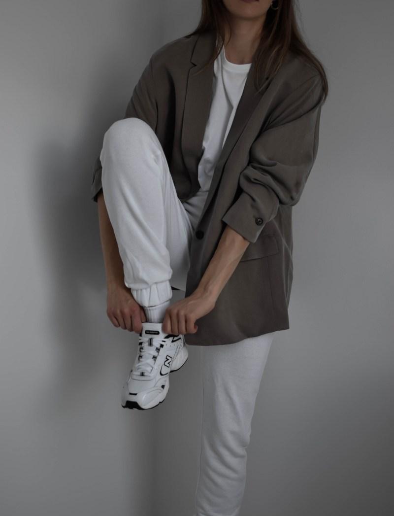blazer with sneakers, everlane easy blazer, trainers blazer outfit, joggers blazer style, new balance 452