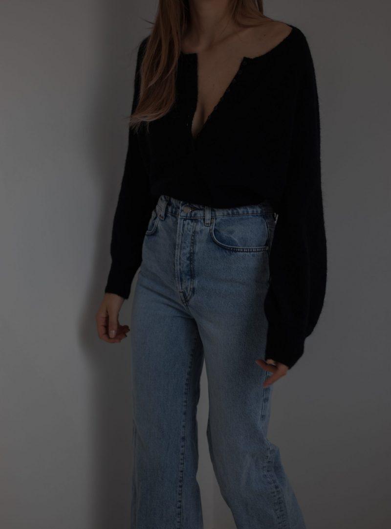 sezane leon jumper minimal style, denim outfit, amendi jeans, parisian style, parisian outfit