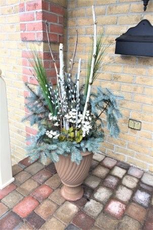 winter planter, winter wreath, winter front porch