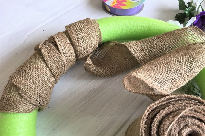 pool noodle wreath, spring wreath, burlap wreath, dollar store wreath