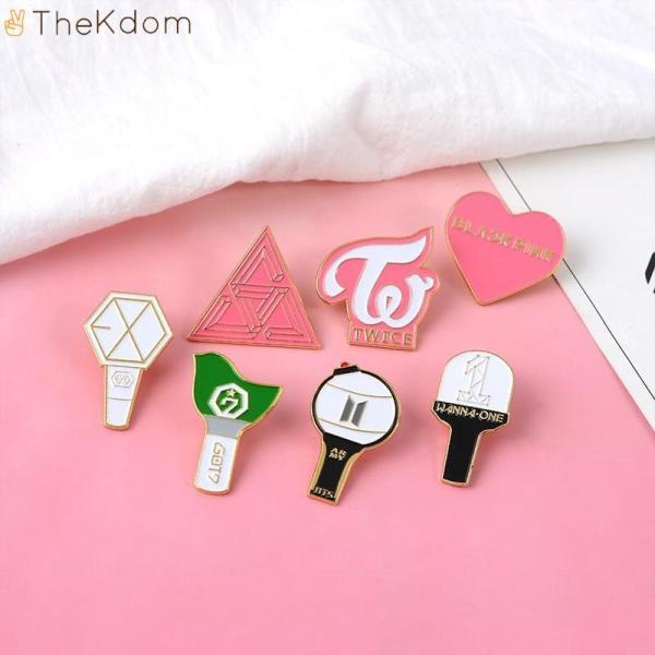 Brooches Got7 BlackPink WannaOne EXO Twice Seventeen Badges - The Kdom