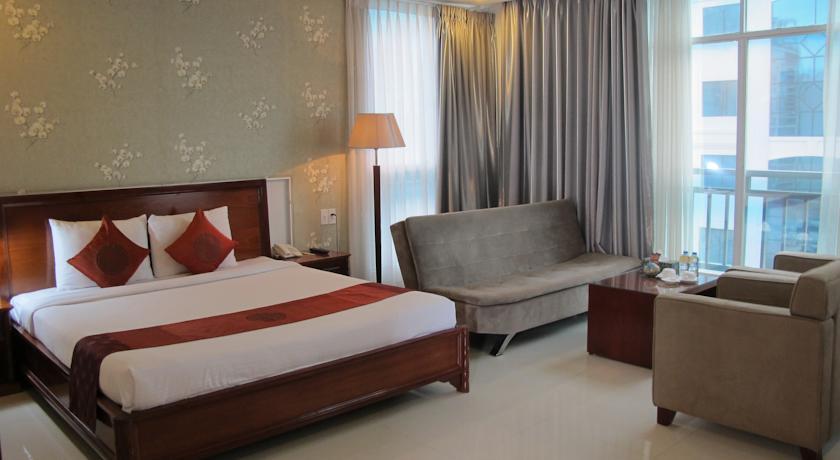 White-Lotus-Hotel-Suite
