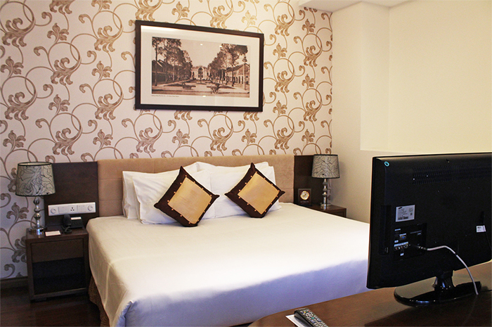 Grand-Silverland-Hotel-Room