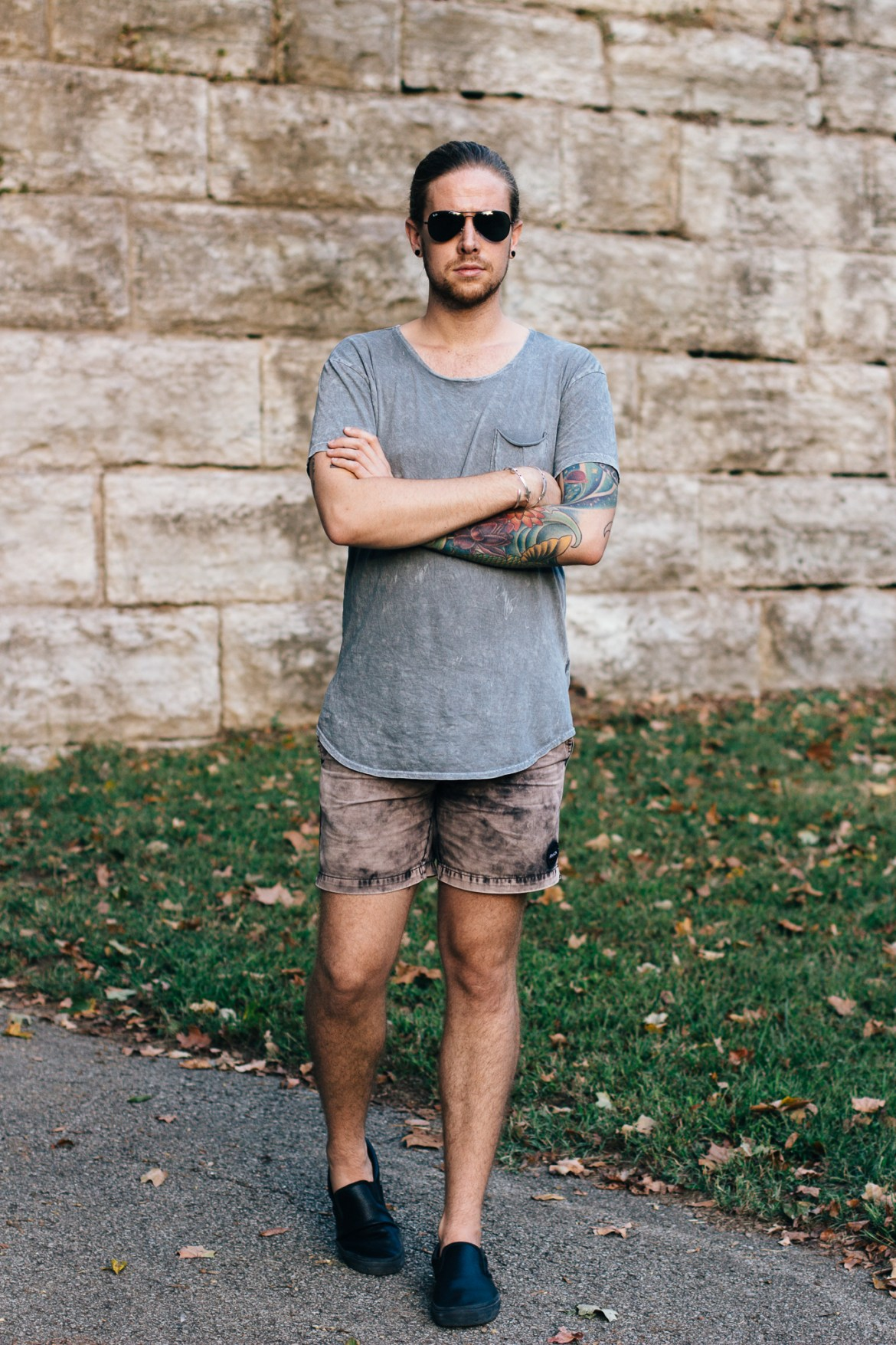 last summer outfit, mens fashion blogger, mens summer fashion, urban outfitters, rvca shorts