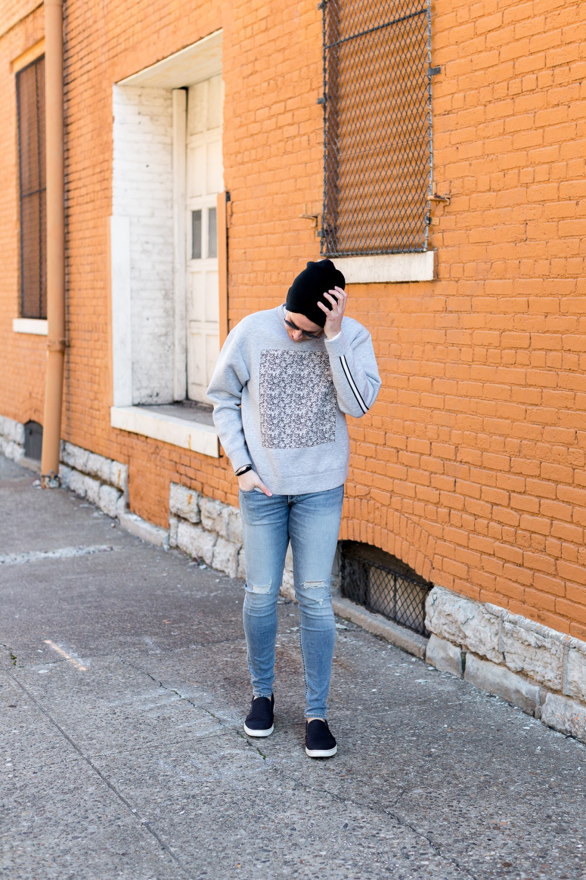 fashion blogger, lifestyle blogger, the kentucky gent, perry ellis sweatshirt, rag and bone jeans