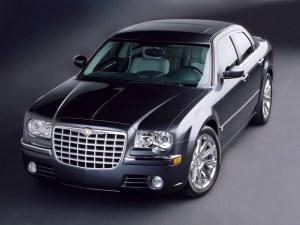 Chrysler_300C_Sedan_2005