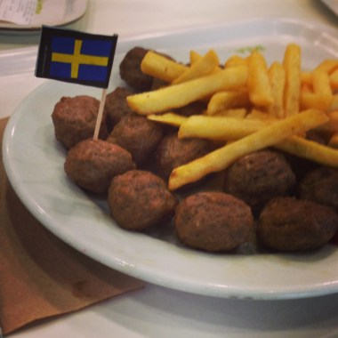Swedish Meatballs and Chips