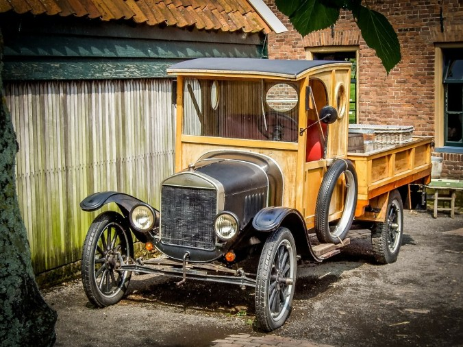 Sue_First Tow_zuiderzee-museum-315414_1280